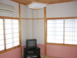 2階 客室 1部屋 1~3名様まで宿泊可能